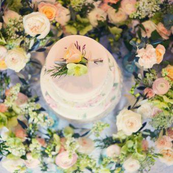 Wedding cake at Cosawes Barton - Wedding planner Cornwall